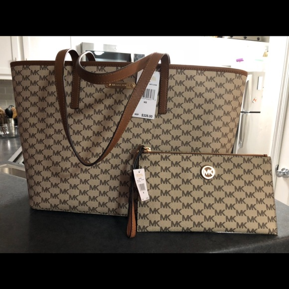 9d089b7c25e6 Michael Kors Bags   Sale Today Handbag By Large Tote   Poshmark